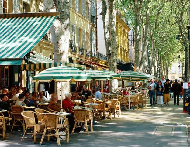 Frankreich, Provence, Aix-en-Provence: Cafes auf dem Cours Mirabeau