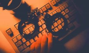 Computer-police-hacker[1]
