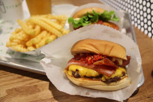 shake shack burger 1