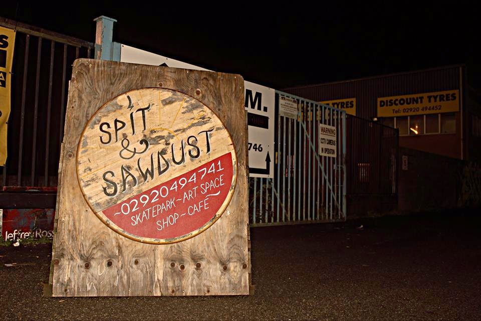 spit and sawdust sign cardiff