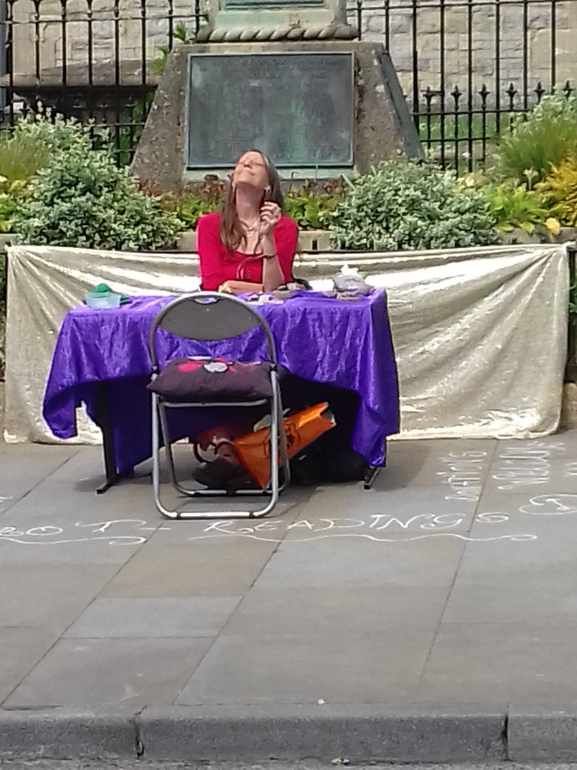 A lady offering tarot readings