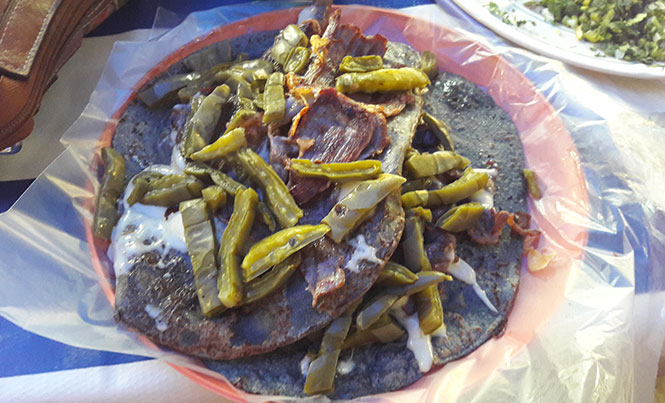 Tacos de cecina with a blue corn tortilla in Tepoztlan, Morelos / Photos: The Playa Times
