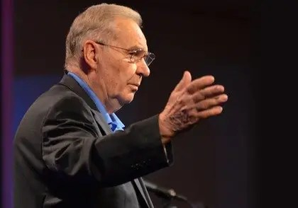 """""""I am put here for the defense of the gospel""""—The Legacy of Dr. Norman L. Geisler"""