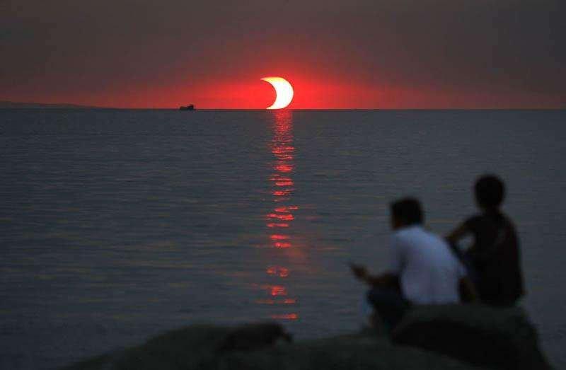 apus-si-eclipsa