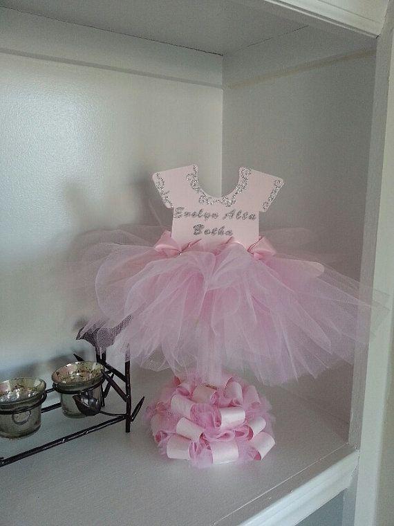 Decoratiune dus bebelusi (fetite) cu rochita roz