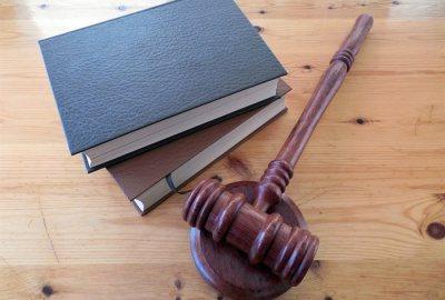 Care este diferența dintre lege și decret?