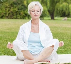 Poziții Yoga pentru persoanele în vârstă