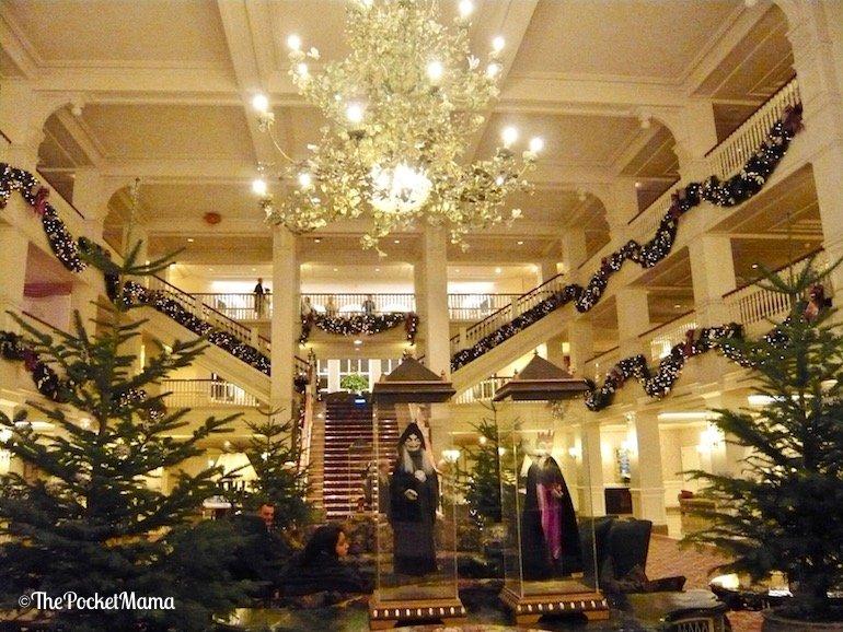 interno del Disneyland hotel