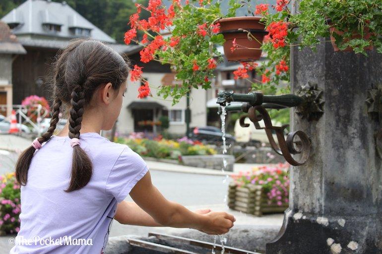 fontana della piazza di Sixt-fer-a-cheval