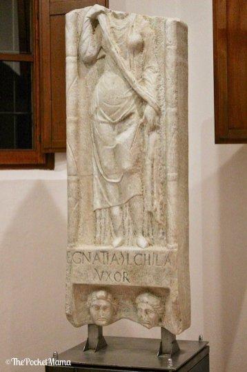 stele romana di egnatia chila