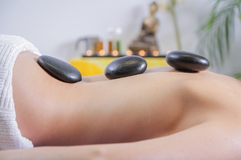 massaggio per la neomamma