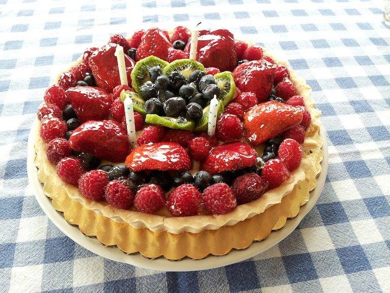 torta di frutta per compleanno a casa