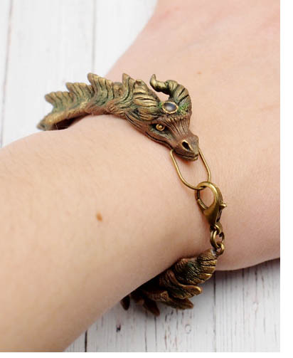 vanillamaart dragon bracelet - Keeping Dragons A-Round
