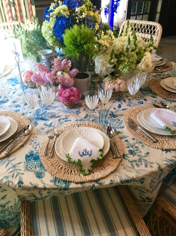 KKG Tablescapes 2017 photo by the potted boxwood 2