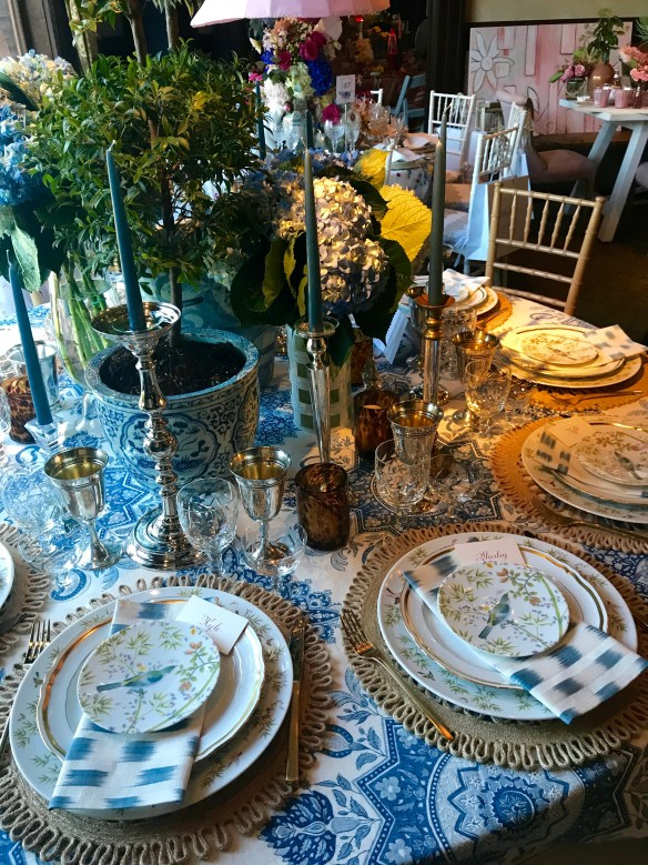 KKG Tablescapes 2017 photo by the potted boxwood 3