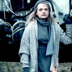 """THE HANDMAID'S TALE -- """"Baggage"""" -- Episode 203 -- Offred reflects on her relationship with her mother as she navigates her way through Gilead. In Little America, Moira tries to cope with the trauma she endured. Offred (Elisabeth Moss), shown. (Photo by:George Kraychyk/Hulu)"""
