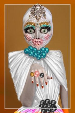 Liz Taylor Pearl Face