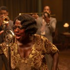 Ma Rainey's Black Bottom (2020): (L to R) Chadwick Boseman as Levee, Viola Davis as Ma Rainey, Colman Domingo as Cutler. Cr. David Lee / Netflix