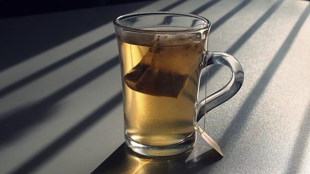 Herbal-tea-bag-compress
