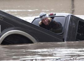 Flash floods hit Calgary