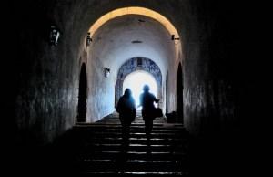 women-dark-staircase-4187265921-800x532