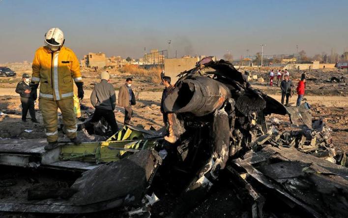 Συντριβή Boeing στο Ιράν: Σενάρια χτυπήματος από πύραυλο και τρομοκρατικής ενέργειας εξετάζουν οι Ουκρανοί