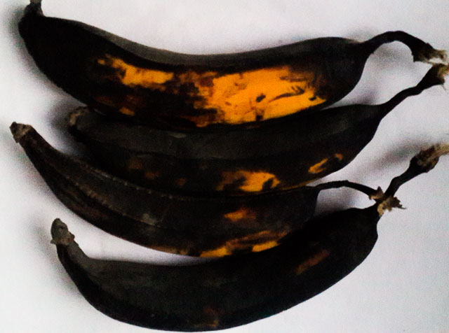 overripe plantains for ukpo ogede, nigerian plantain pudding