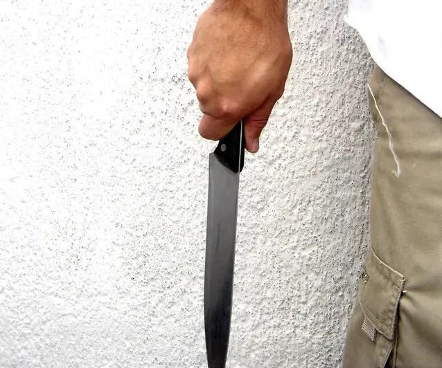 kitchen safety tips knife