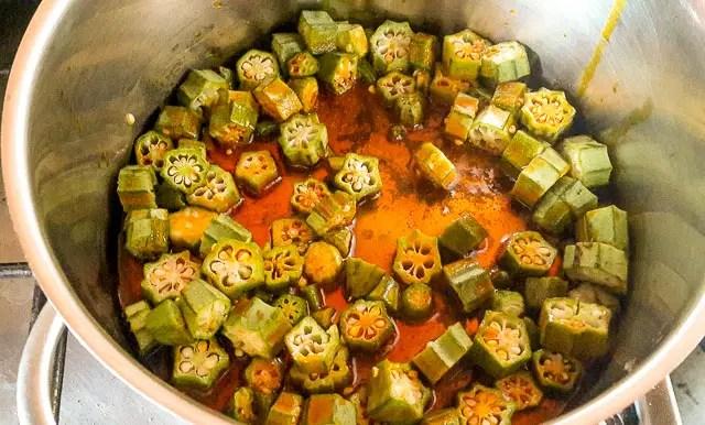 okro frying in the pot
