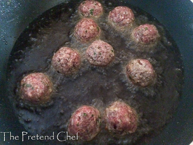 meatballs frying in pan, how to make meatballs