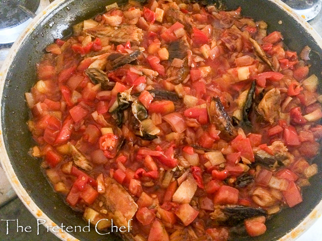 Simple, easy and delicious Nigerian smoked fish sauce
