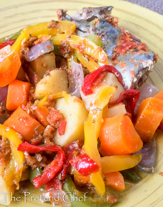 Easy, moist, healthy and flavourful Foil baked fish with vegetables