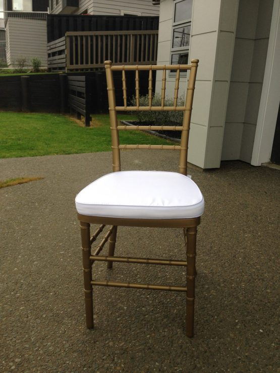 gold chiavari tiffany chair hire nz