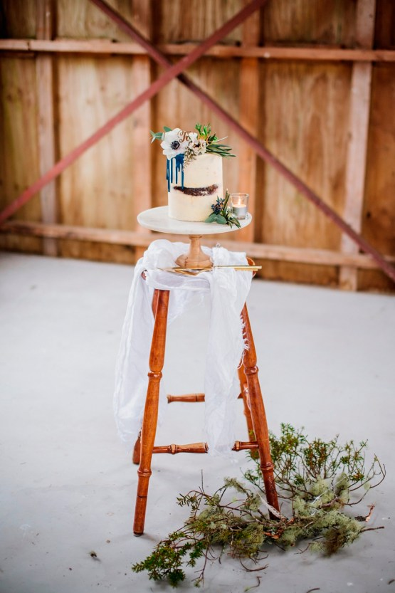 marble cake stand hire nz