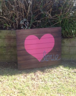 love sign hire nz