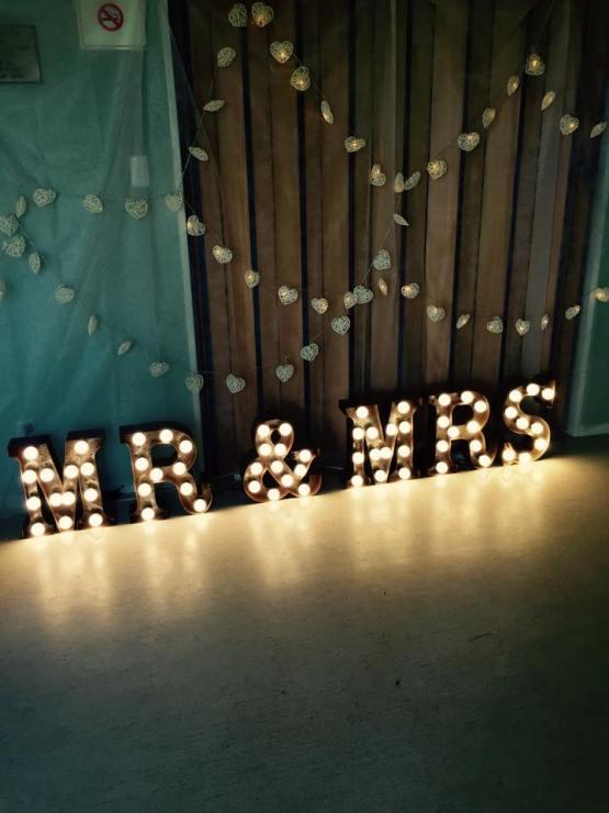 MR & MRS letter light hire