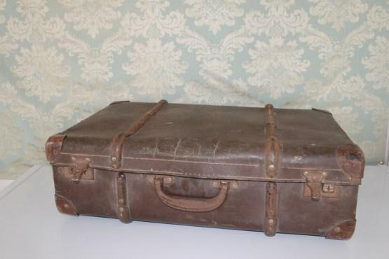 suitcase hire