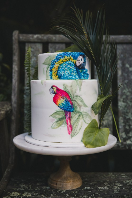 marble wood cake stand hire nz