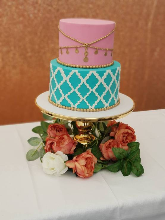 gold cake stand hire auckland