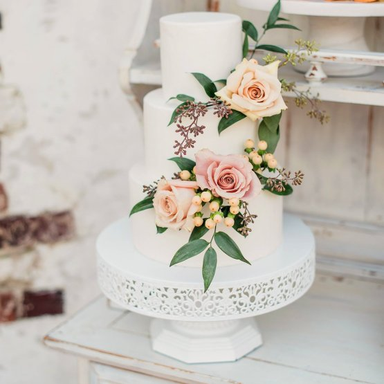 white filigree cake stand hire nz