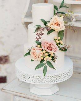 white filigree cake stand hire nz