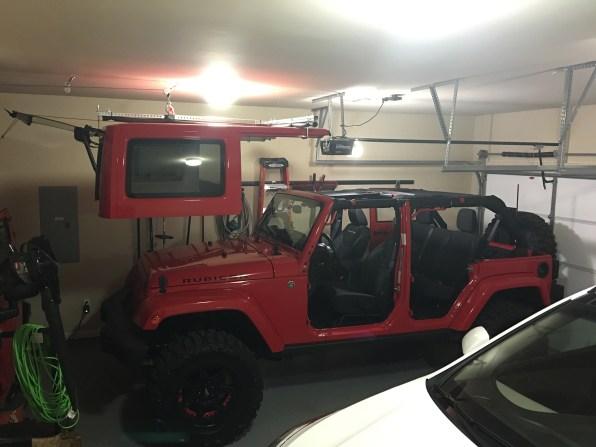 Jeep Top Hoist - Up 2