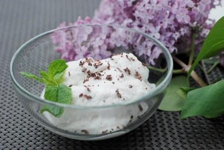 Paleo Whipped Coconut Cream - www.ThePrimalDesire.com