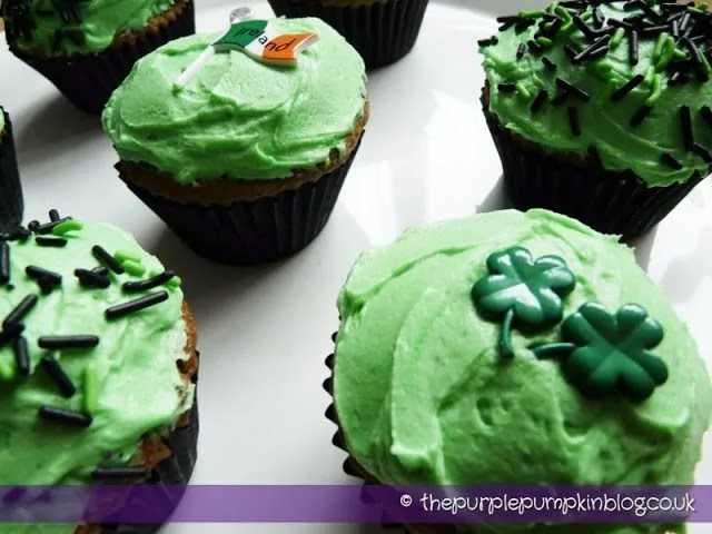 Green St Patricks Day Cupcakes
