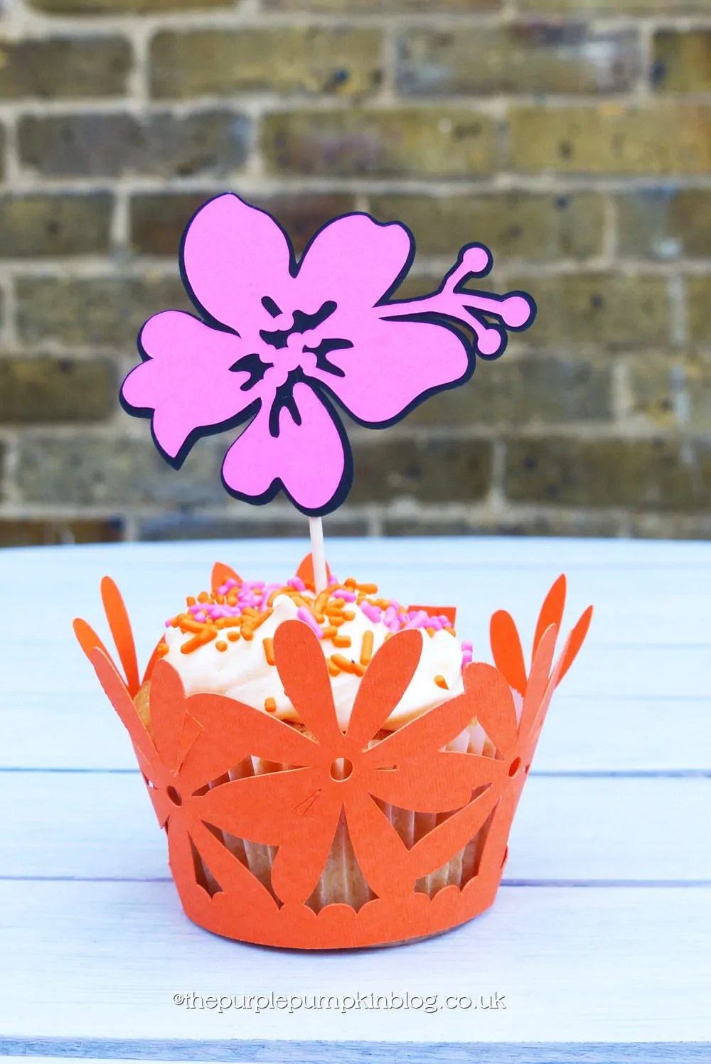 Cricut Explore Cupcake Wrappers and Toppers