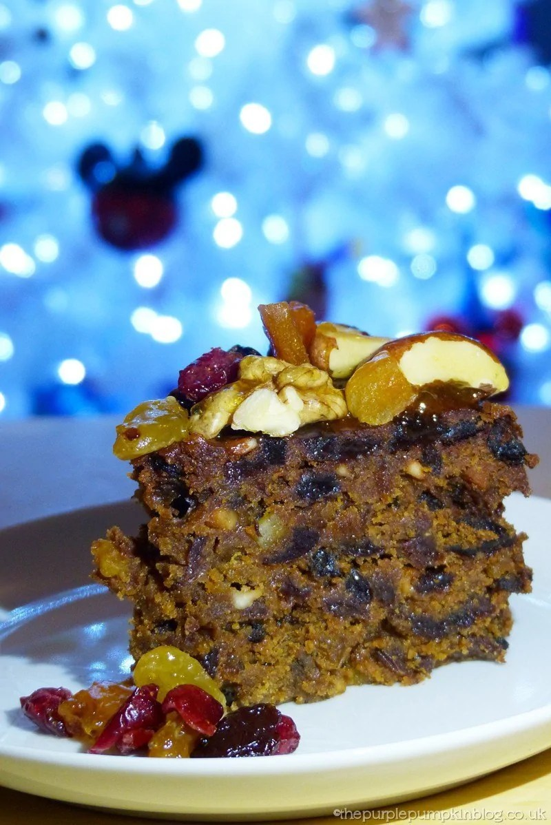Christmas cake decoration with fruit and nuts - Decorating A Christmas Cake With Dried Fruit And Nuts