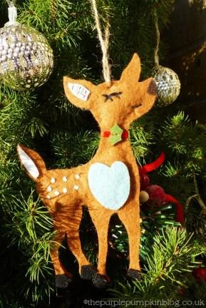 Dwarf Alberta White Spruce + Natural Christmas Decorations