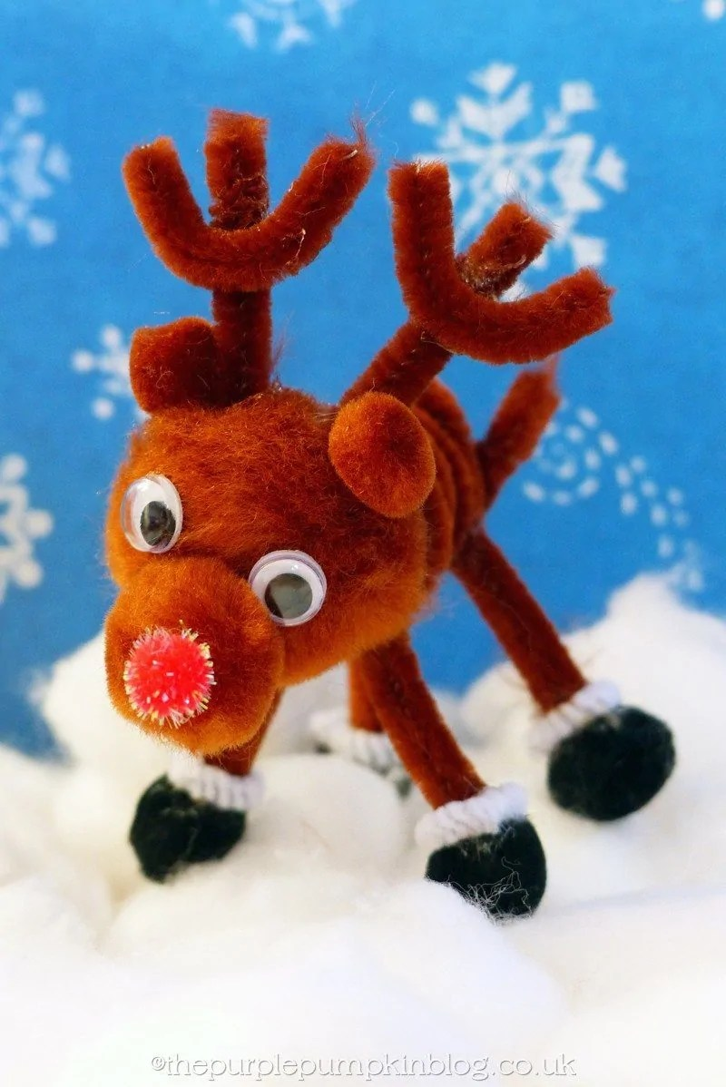 Pipe cleaner pom pom reindeer craft for Pipe craft