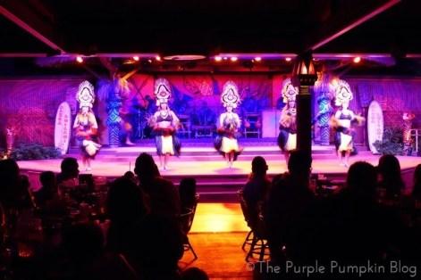 Tahitian Ceremonial Dance at Spirit of Aloha Dinner Show