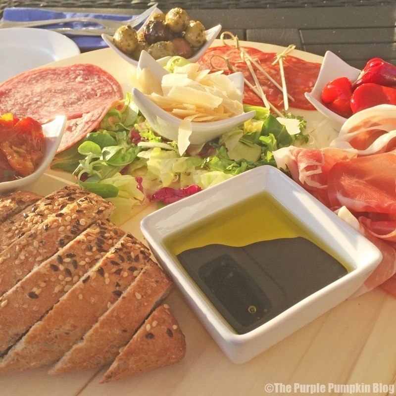 The Lakeside Brasserie - Cotswold Water Park